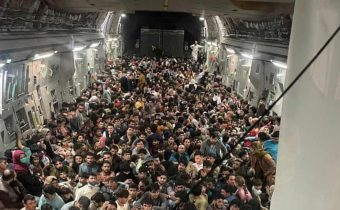 US airlifts 1700 people from Kabul on Sunday