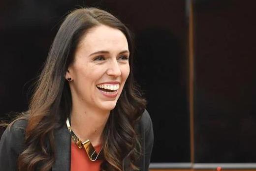 सेक्स के बारे में पूछे जाने पर न्यूजीलैंड के प्रधानमंत्री ने मुस्कुराते हुए जवाब दिया