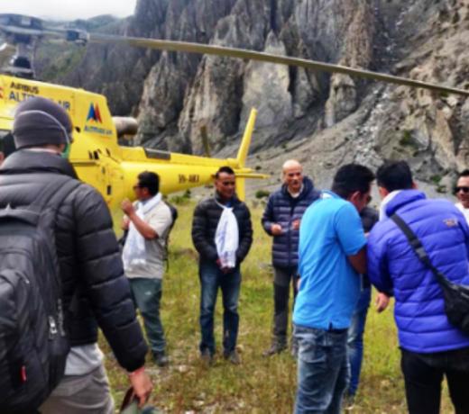 Amitabh Bachchan, Danny Denzongpa, Anupam Kher, Boman Irani, Parineeti Chopra फिल्मांकन के लिए नेपाली पहाड़ियों में हैं