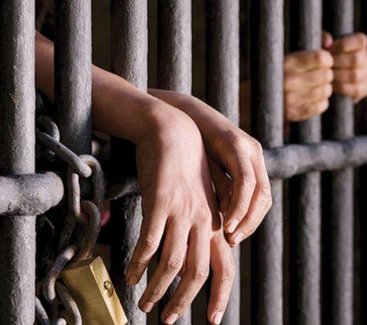 पुलिस ने 'चोरों को लूटा', चार पुलिसवाले गए जेल